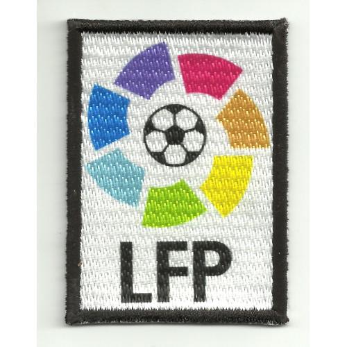 Parche  bordado y textil LFP negro  7cm x 10cm